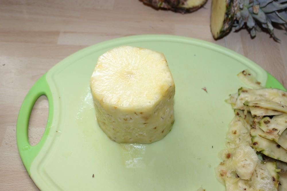 Ananas richtig schneiden Schritt 3