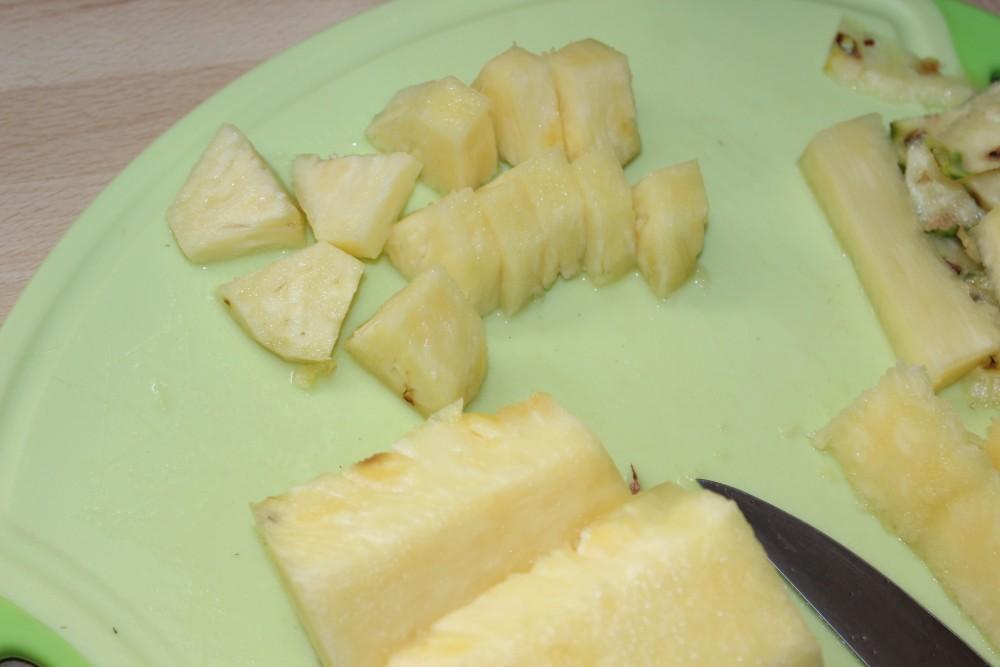 Ananas richtig schneiden Schritt 6