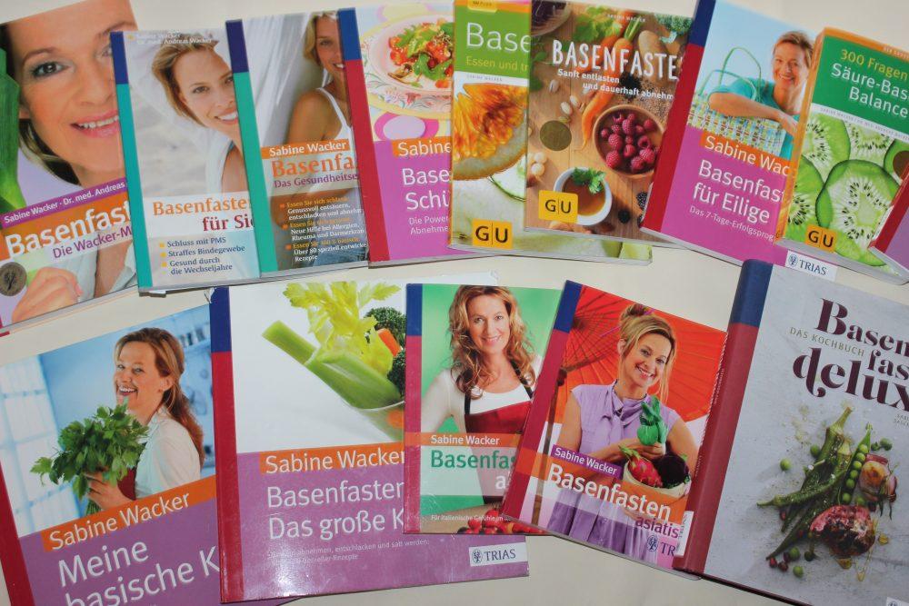 basenfasten Bücher von Sabine Wacker