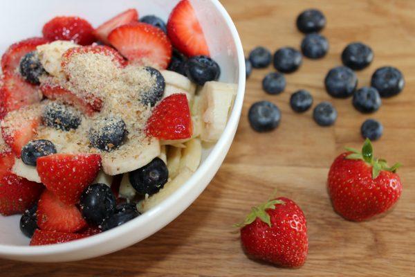 Sommerfrühstück mit Beeren