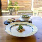 Cremesuppe vom Winterspargel (Schwarzwurzel) mit gerösteten Champignons & Kresse