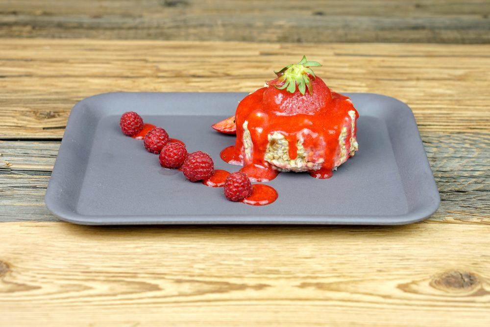 Porridge mit Erdbeere und Himbeere