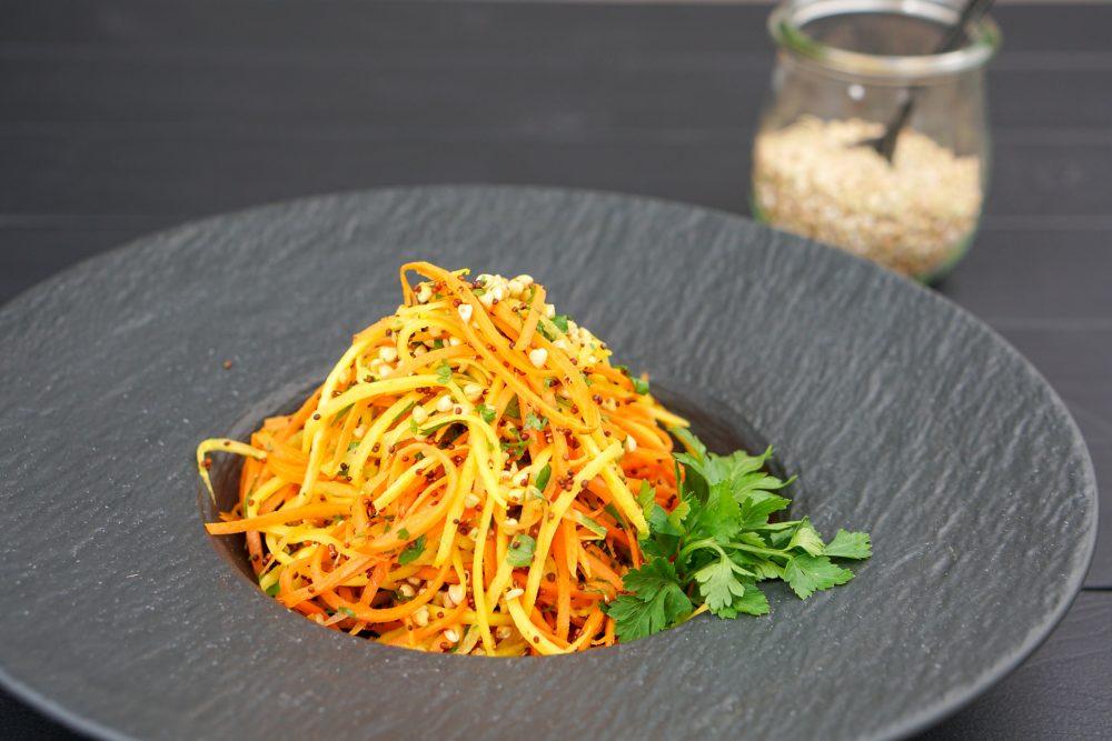 Karottensalat mit gekeimten Brokkoli & gekeimten Buchweizen