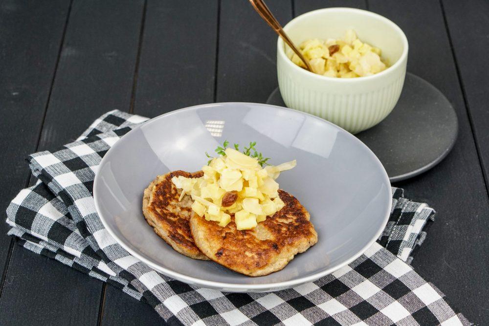 Bananen-Pancakes mit Bratapfel-Ragout