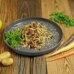 Bunter Salat aus dreierlei Möhrensorten