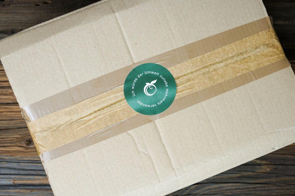 Nachhaltig: wir verwenden Kartons mehrfach