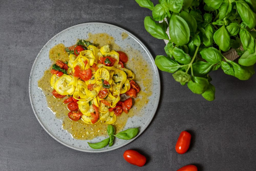 Tagliatelle aus gelber Zucchini