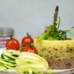 Kartoffelpüree mit Wacker Tapenade, Zucchininudeln & confierten Tomaten
