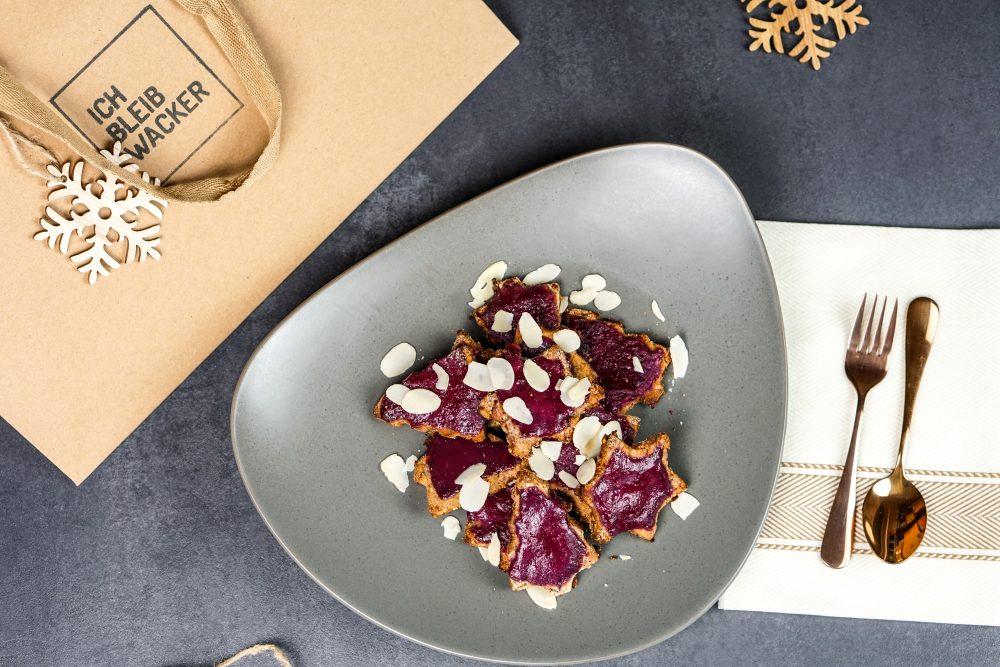Cranberry-Nussplätzchen mit Granatapfelgelee