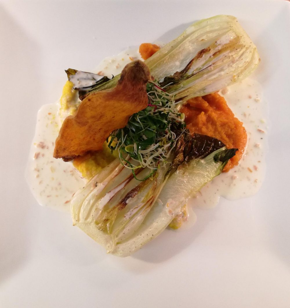 Gebratener Pak Choi auf zweierlei Karottenpüree mit Kokossauce