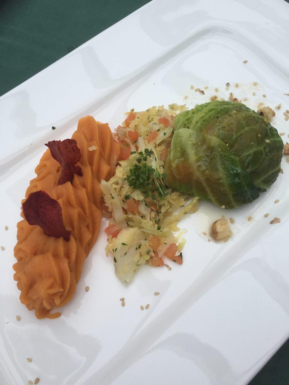 Wirsingroulade gefüllt mit Süßkartoffelcreme