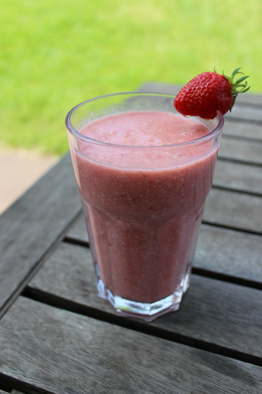 Basischer Erdbeer-Smoothie nach Wacker