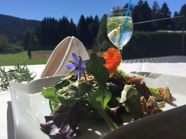Babyleaf - Salat mit OOrangendressing und Feigen