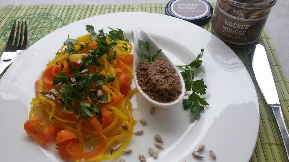 Möhrenspaghetti mit Wacker Mousse Gekeimte Berglinse