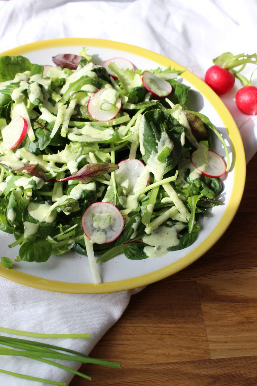 Frühling, basenfasten, Salat, Kräuter