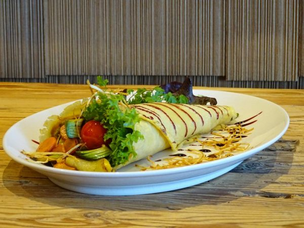 Kichererbsen-Tortilla mit gegrilltem Gemüse