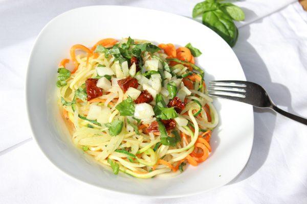 Pasta Tricolore mit Fenchel-Tomaten-Gemüse