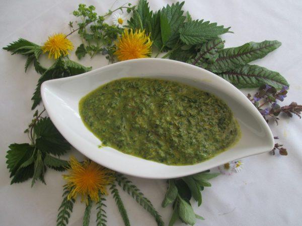 Wildkräuter-Pesto