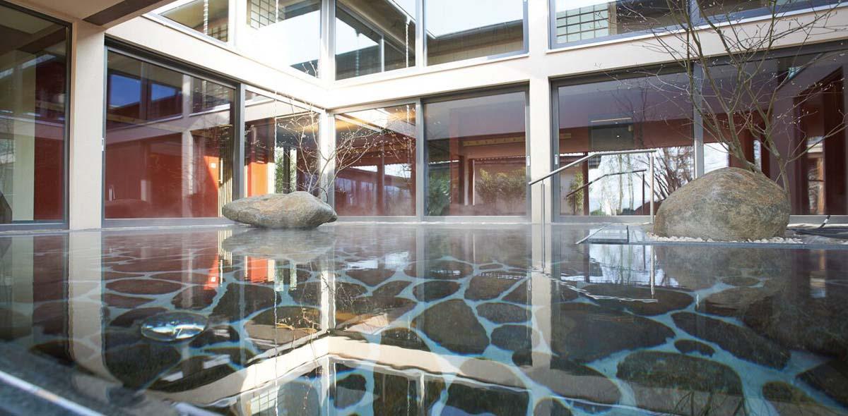 Japanisches Onsen-Bad